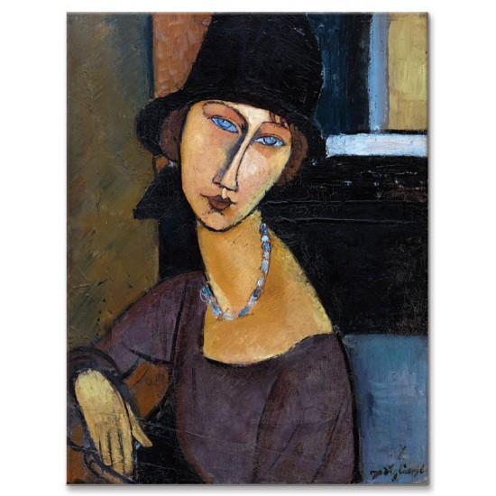ז'אן אבוטרן עם כובע ומחרוזת