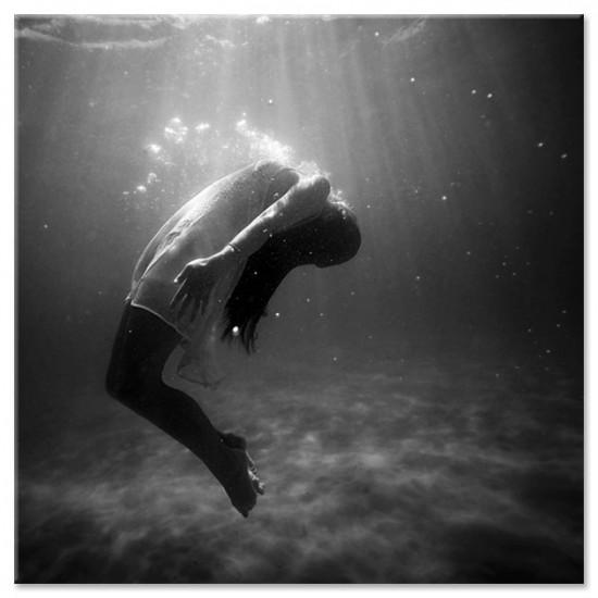 ריחוף במים