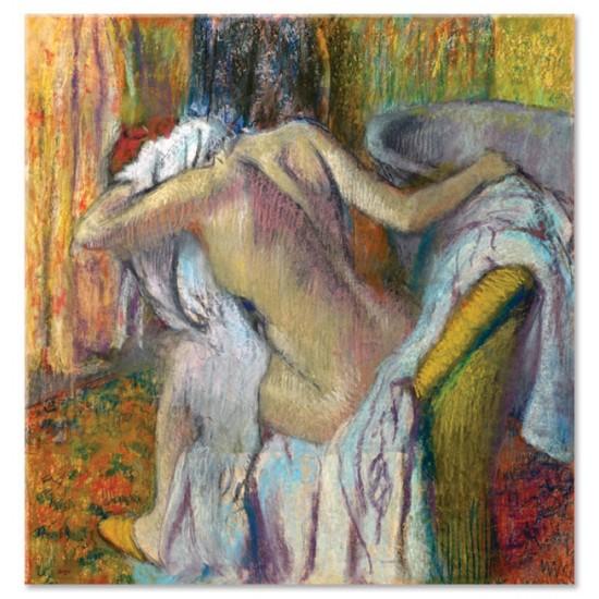 אחרי האמבט, אישה מנגבת את צוארה