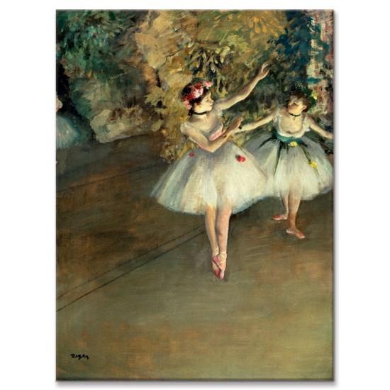 שתי רקדניות על הבמה