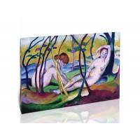 נשים ערומות מתחת לעצים