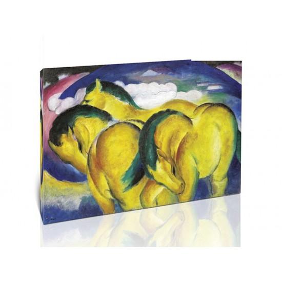 סוסים צהובים קטנים