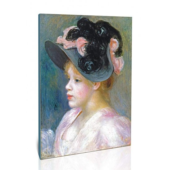אישה צעירה עם כובע