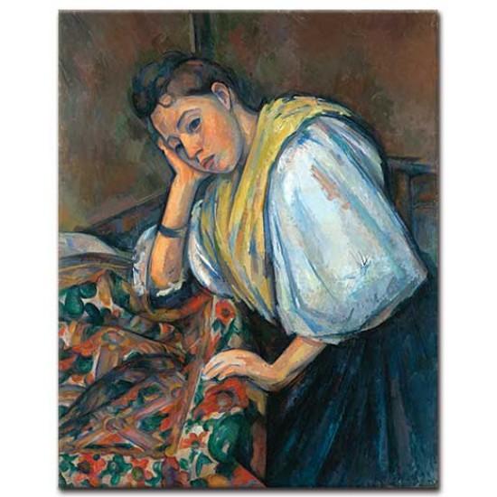 אישה איטלקיה צעירה ליד השולחן