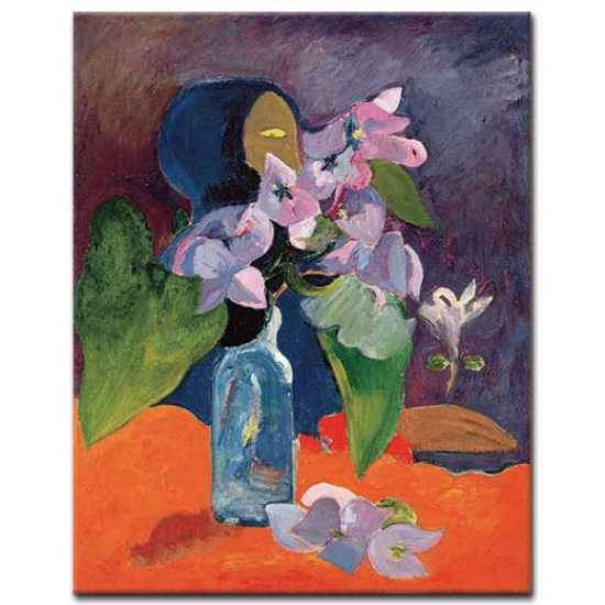 טבע דומם עם פרחים ופסל
