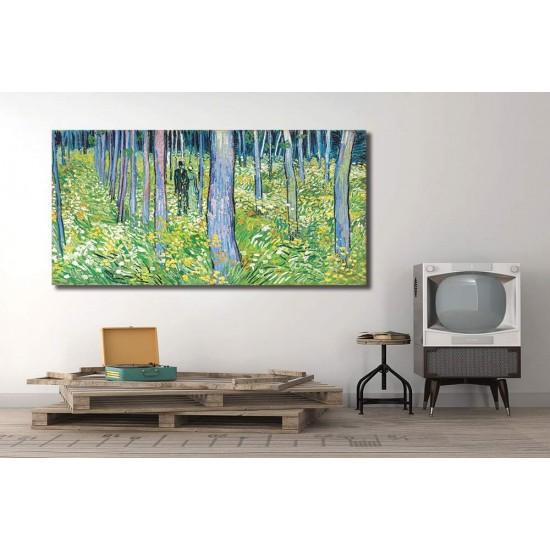 יער ושתי דמויות